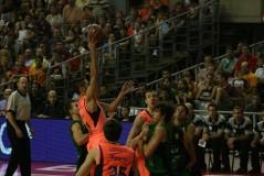 Navarro haciendo una bomba en la final de la Lliga de Catalunya