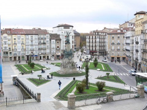 Plaza Virgen Blanca (Vitoria)
