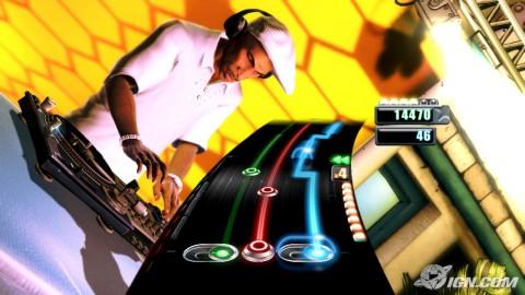 Vista del DJ Hero en pleno juego