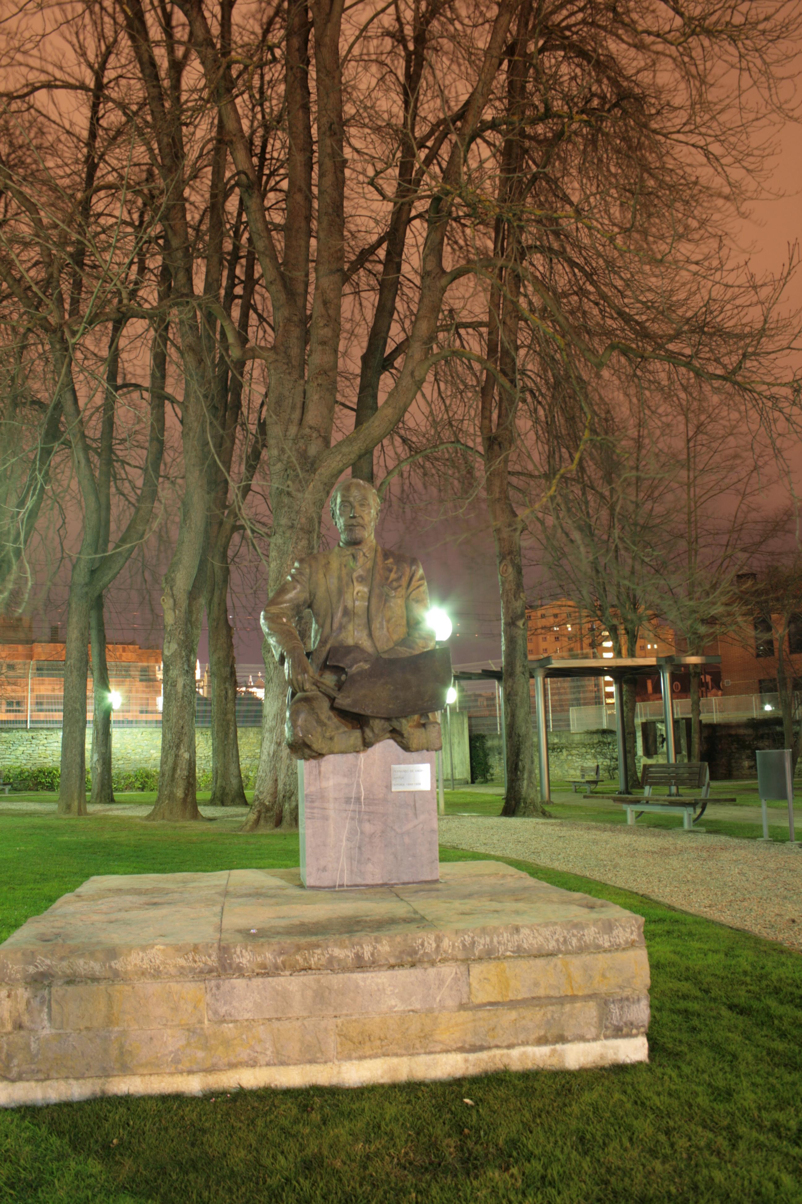 Fotonocturnada: Museo de bellas artes de Vitoria Gasteiz