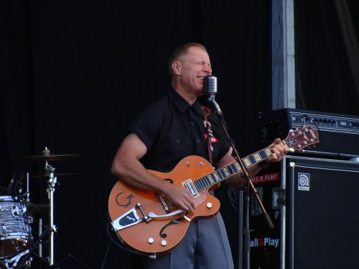 Reverend Horton Heat (Azkena Rock festival 2011)