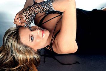 Samantha Fox: el escote de los 80.