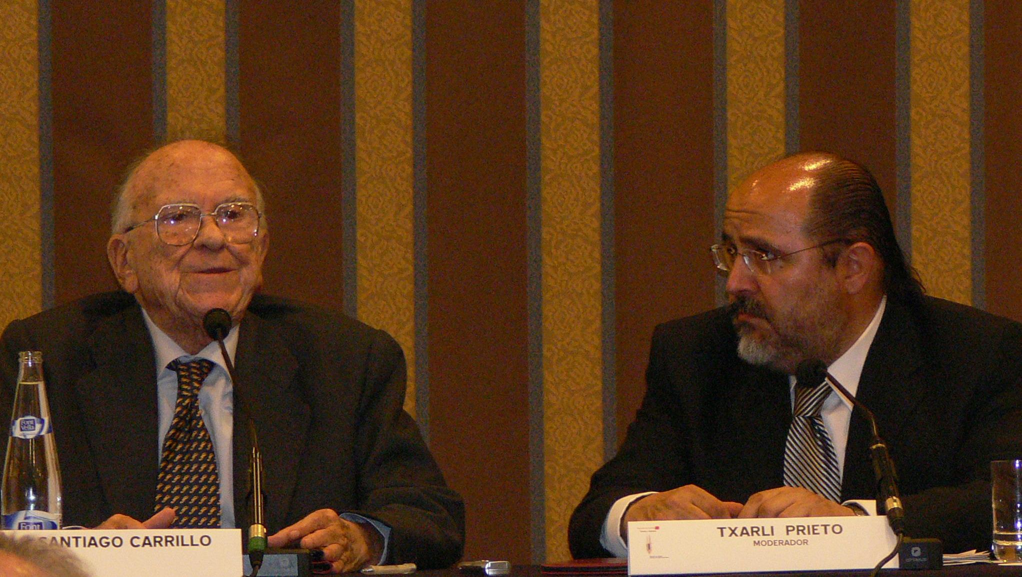 Santiago Carrillo en Vitoria, allá por 2006.